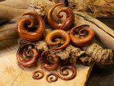 Dehnspirale aus Blutholz braun