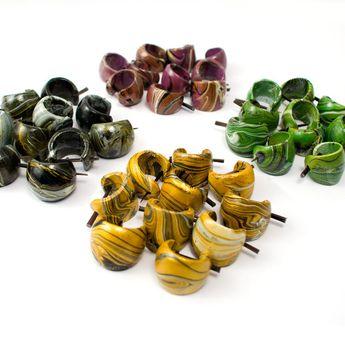Pendientes Argollas de Madera con Pinturas Batik – picture 10