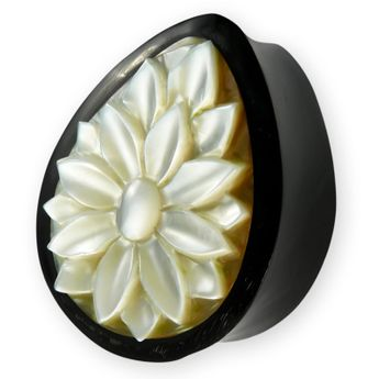 Lady's Horn Ear Plug with Mother-of-pearl Lotus flower 10-22 mm