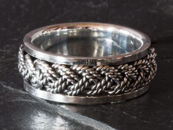 Silver Spinning Ring with Braided Pattern – picture 2