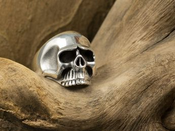 Classic Skull Sterling Silver Ring – picture 4