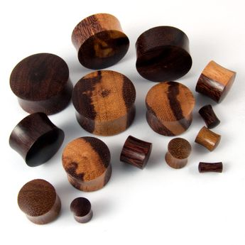Wood Plug Brown Ironwood Flesh Tunnel (4-30mm) – picture 2