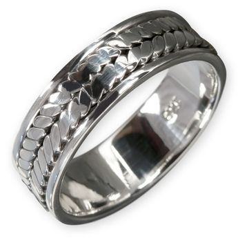 Celtic Silver Ring – picture 1