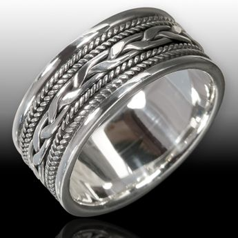 Silver Ring with Celtic Knot Pattern – picture 2