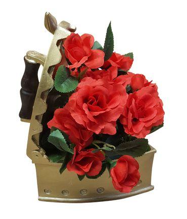 Deko Rosengesteck im Bügeleisen Tischdeko Kunstblumen Blumengesteck – Bild 1
