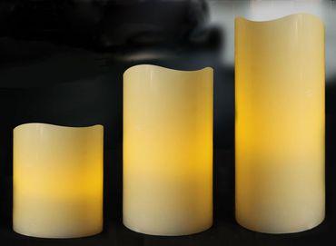LED Kerzen 3 Stück Echtwachs creme flammenlos  mit Timer In-/Outdoor Batterie – Bild 1