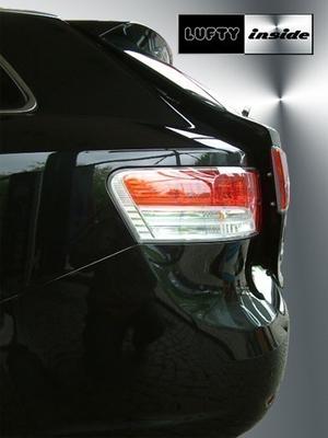 Lufty® - Toyota Avensis T27 Combi  – Bild 1