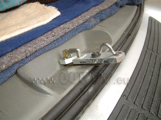Lufty®Standard - Dodge Caravan - Heckbelüftung – Bild 3