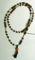 Kette Material : Holz  Farben : braun/silberfarbig   Perlen  Quaste
