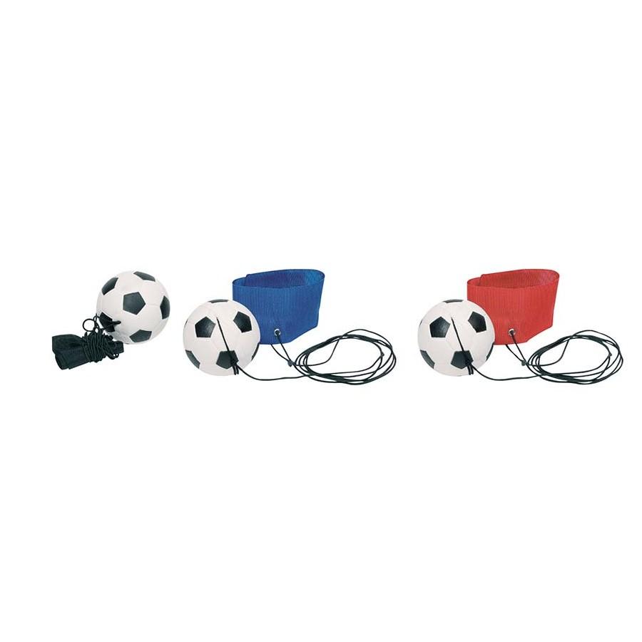 goki 15330 Fußball am Armband, L= 1,30 m (Schnur), Ø= 6,3 cm (Farbe zufällig, 1 Stück)