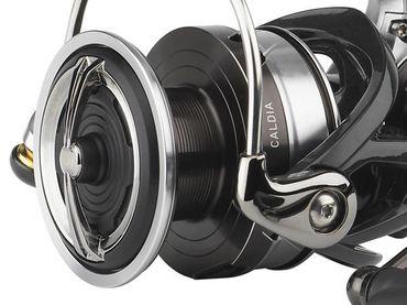 Daiwa Caldia 2500 D-XH 150m/0,28mm Spinnrolle – Bild 2