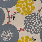 Baumwolle Leinen Canvas bedruckt mit großflächigem Vogelmotiv in grau und gelb auf naturfarbenem Grund  001