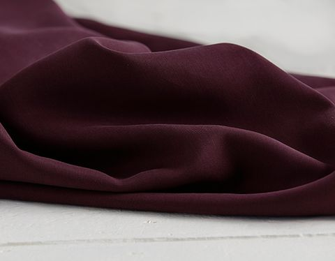 Tencel Twill Stoff uni bordeaux
