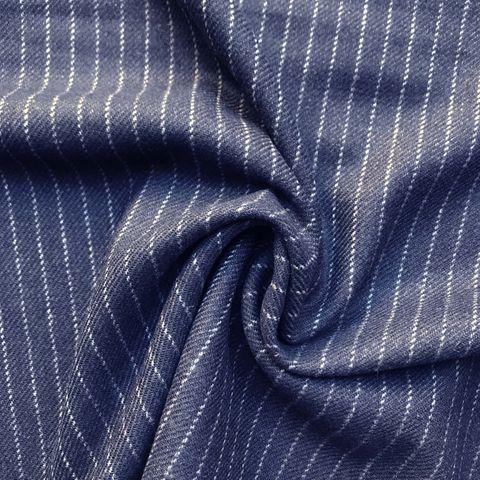 Schurwolle Wollstoff dunkelblau mit Nadelstreifen