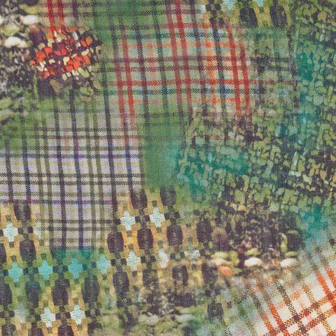 Seide mit abstraktem Print in grün und orange