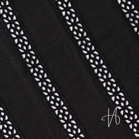 Bio Baumwolle mit Lochstickerei Spitze schwarz 0,5m
