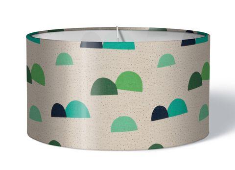 Stoff Kinderlampenschirm Berge grün auf natur beige