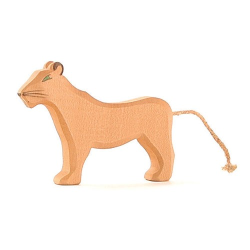 Ostheimer Holzfigur Löwin