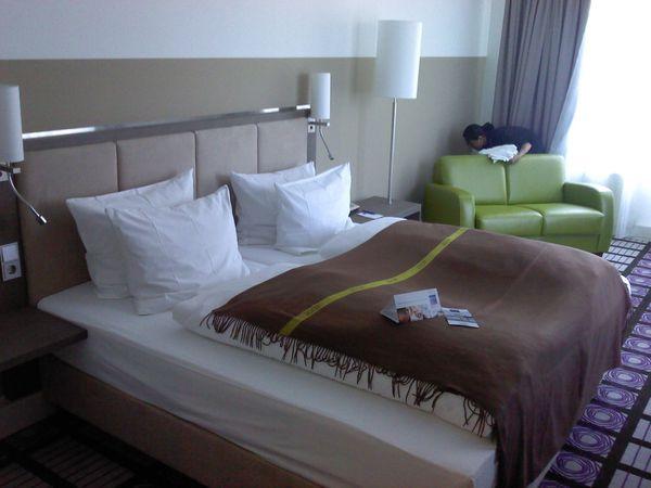Hotelbett Boxspringbett 90x200cm, Bett incl. Matratze, Box: Leinenstruktur