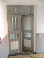 Haustür einer Villa vor 1900, Holz, HxB ca. 270x182cm, Doppelflügel, Oberlicht 001