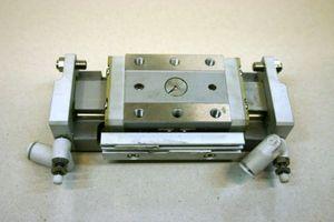 SMC - Präzisions-Schlitteneinheit - MXP16-30