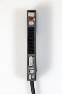 KEYENCE - Digitaler Lichtleitersensor mit Dual Display - FS-V21RP – Bild 1
