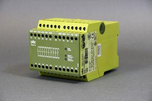 PILZ - PNOZ - NOT-AUS Schutztüren Lichtgitter - PNOZ 10 24VDC 6n/o 4n/c - 774009 – Bild 1