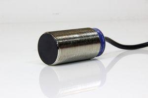 TELEMECANIQUE - Induktiver Näherungsschalter M30 10mm - XS1 M30MB230 – Bild 1