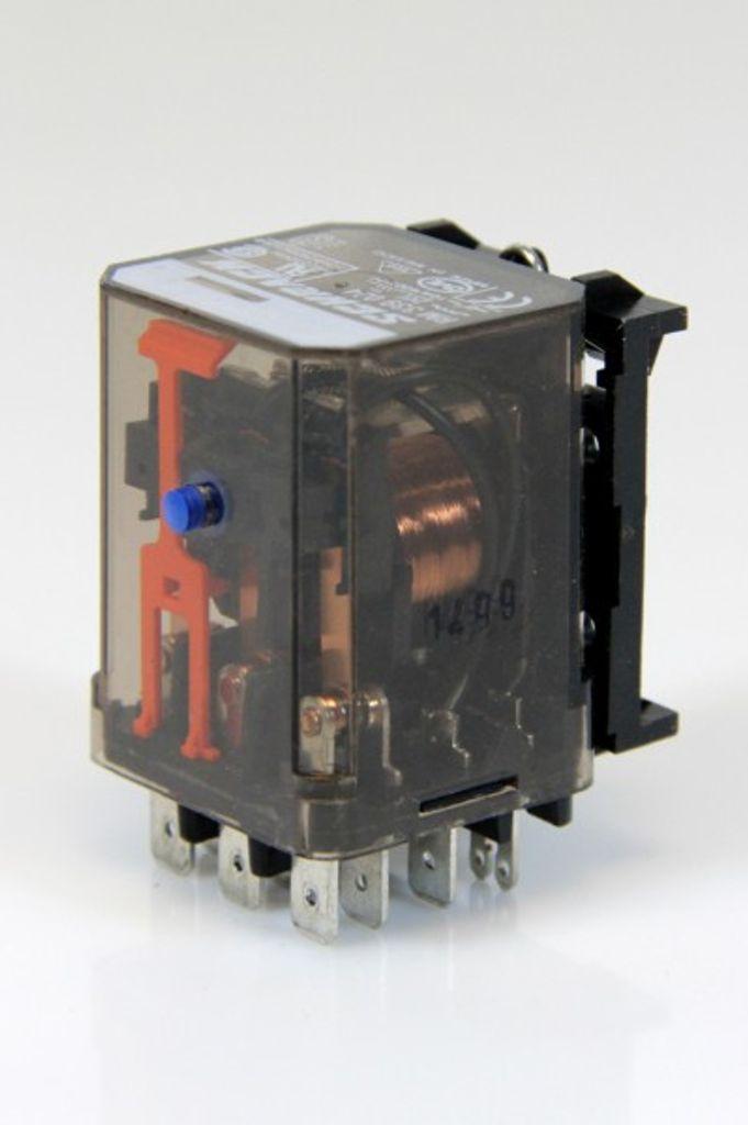 SCHRACK RM Leistungsrelais 10A 400VAC 24VDC Spulenspannung RM 339 024