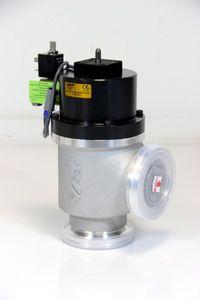 VAT - pneumatisches Vakuum Eckventil DN63 ISO-K  - 24436-QA42-BON1 – Bild 1