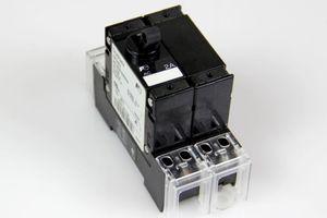 FUJI ELECTRIC CP32E / 2 Schütz CIRCUIT PROTECTOR CP-S2 2A AC – Bild 1