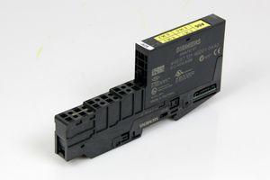 SIEMENS S7 - Digital Eingabemodul - 6ES7 131-4BD01-0AA0 + Terminalmodul TM-E15C26-A1 – Bild 1