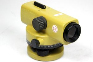 TOPCON AT 22A Nivelliergerät Automatic Level Dumpy level + KOFFER – Bild 2