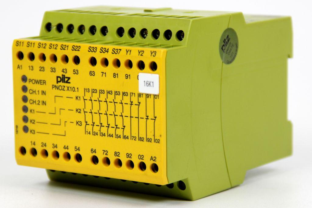 PILZ PNOZ X Not-Aus-Schaltgerät Schutztür PNOZ X10.1 24VDC 6n/o 4n/c 6LED 774749
