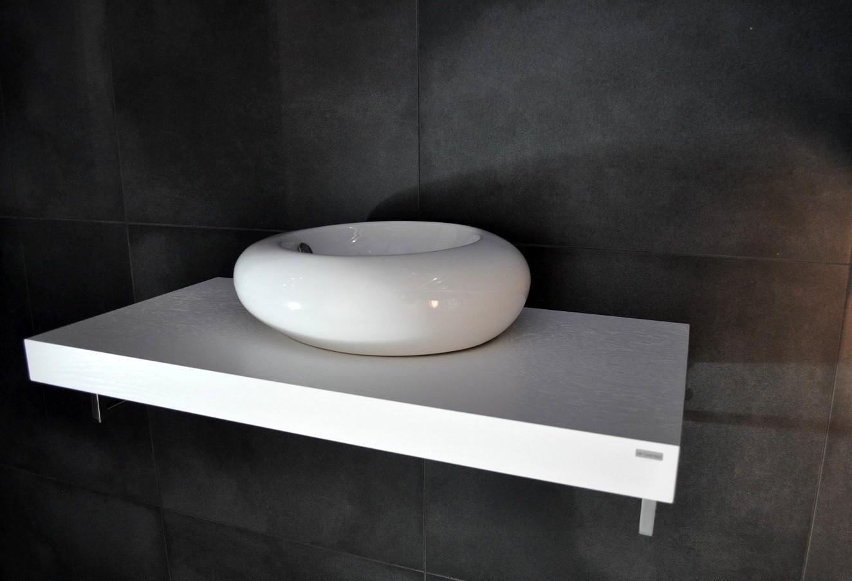 Edler waschtisch waschtischplatte wei mit handtuchhalter wt 80h carl svensson waschtische - Waschtischplatte weiay ...