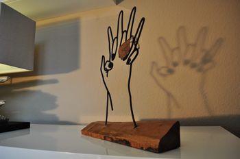 Bild 3 - Deko Metallfigur Hände Metall Skulptur Wohndeko Archtwain Geschenkidee Tischdeko MH-101