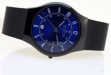 Skagen Uhr flache Herren Titanium Uhr T233XLTMN Datum 3 Bar gents watch 7,5mm
