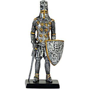 Ritter stehend mit Schwert und Schild