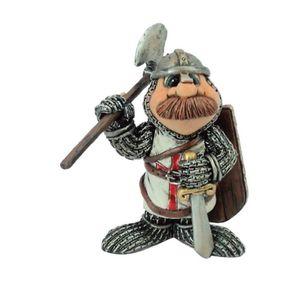Funny Ritter - Gwenn mit Axt und Schild auf dem Rücken