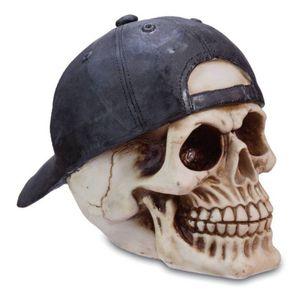 Totenkopf mit Cap nach hinten getragen – Bild 1