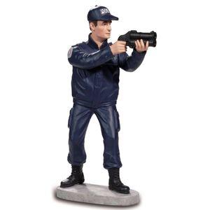 Französischer Polizist mit Tränengaspistole 20cm