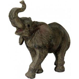 Elefant läuft 10cm