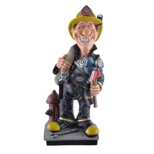 Funny Life - Feuerwehrmann hält Wasserschlauch und Axt und grinst dabei 20cm