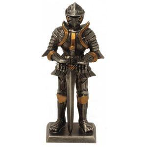 Zinnritter Ritter steht und hält Schwert mit zwei Händen fest 10,5cm – Bild 1