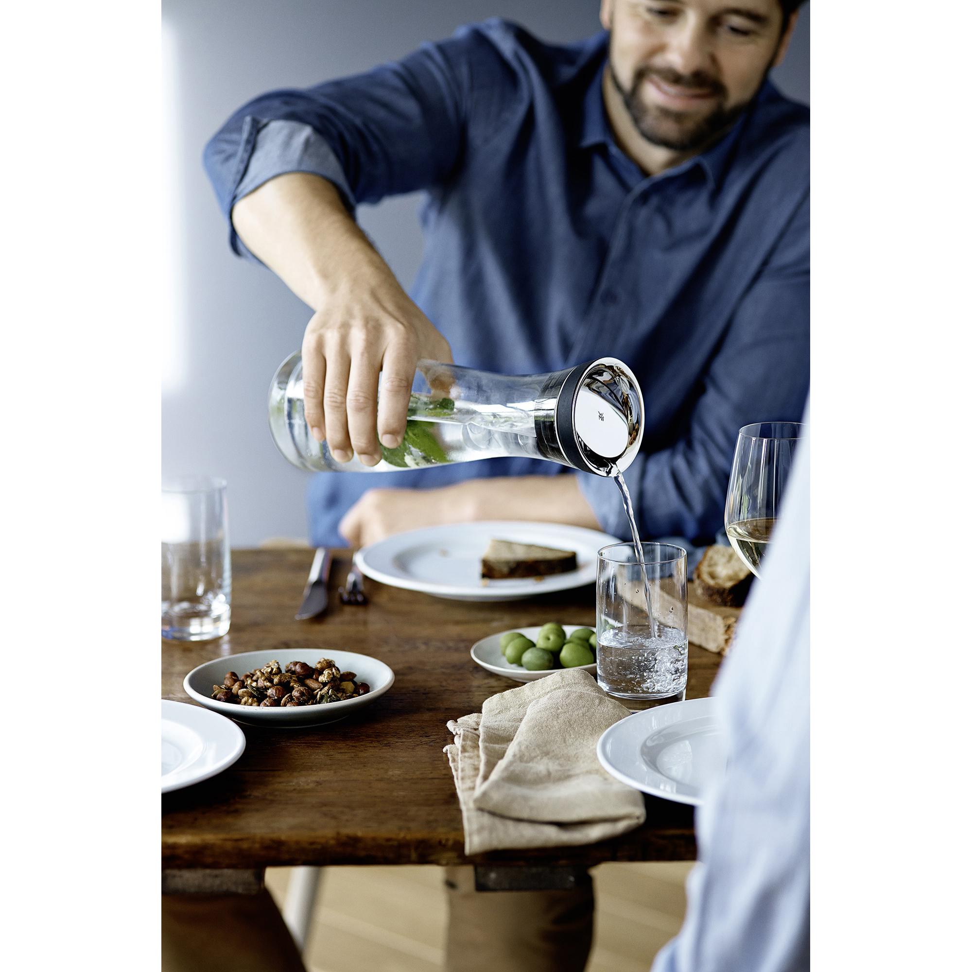 Wmf wasserkaraffe 1 0 l gold glas neu ebay for Design tisch smooty