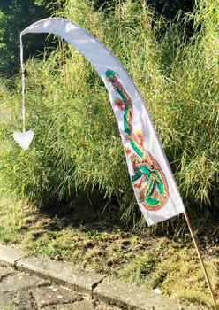 Drachenfahnen LITTLE DRAGON 100cm mit Herz-Spitze, inklusive Holzstab, Balifahne, Bali Flag – Bild 10