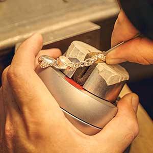 Herstellung Silberschmuck filigran