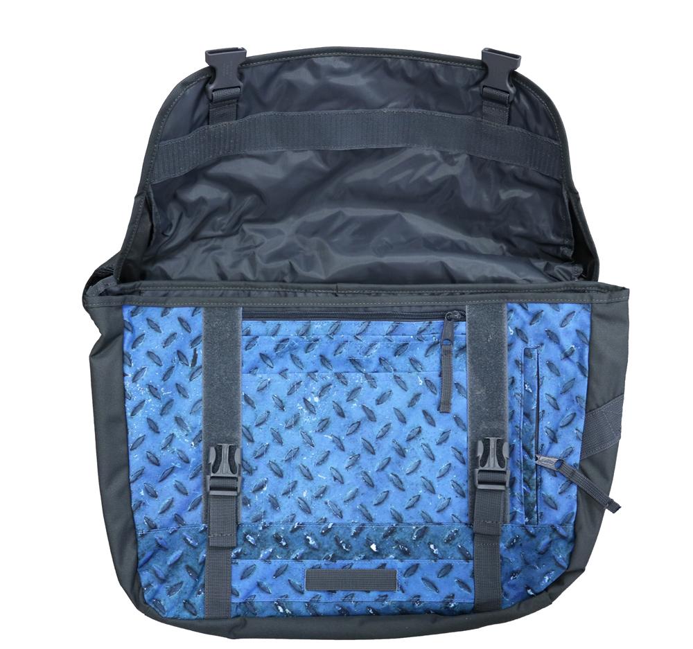 Eastpak Kruizer M 19L Laptoptasche Blau EK031-37F