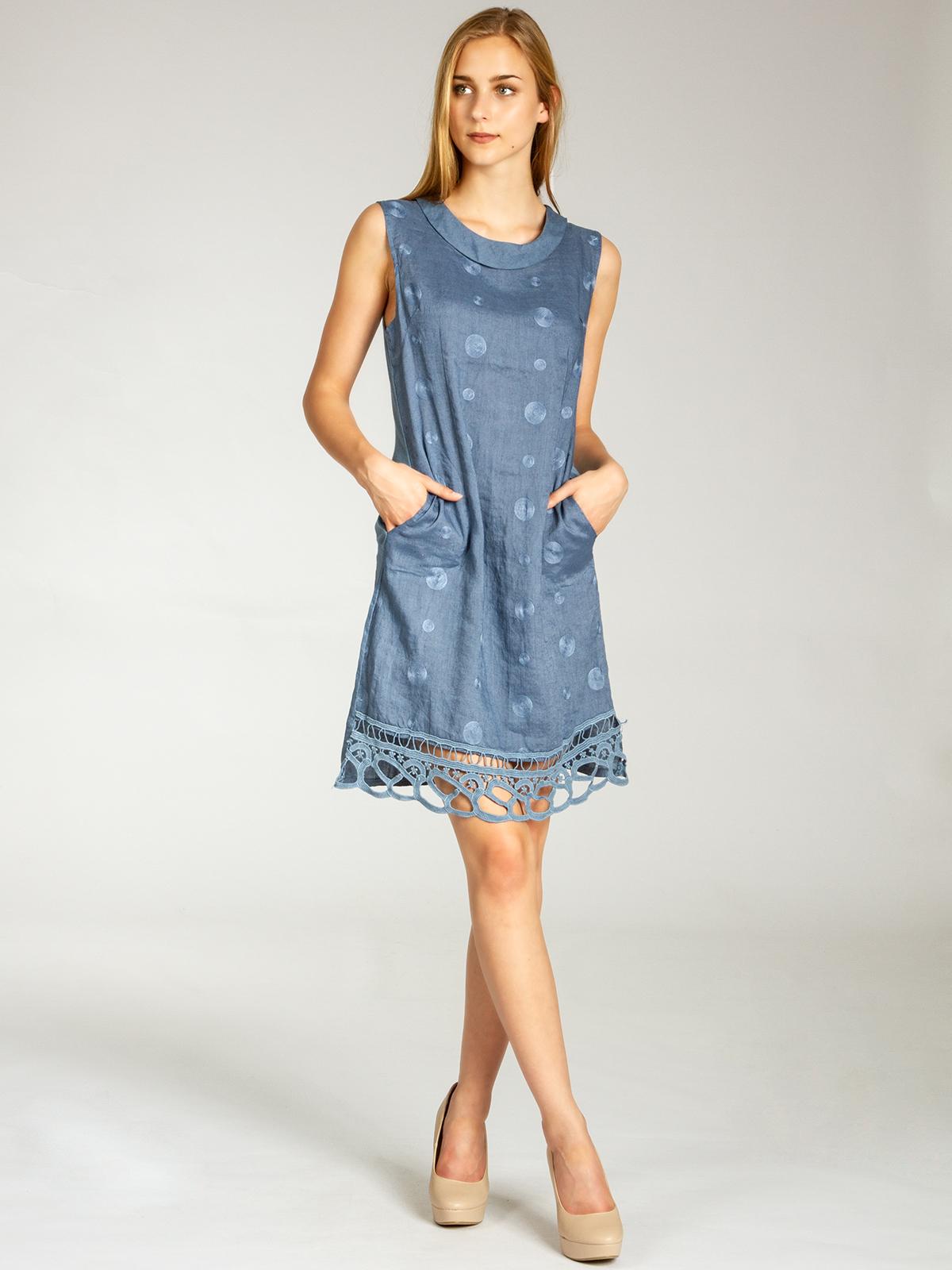 7cbfad971321 Lässiges, bequemes Damen Sommerkleid aus 100% italienischem Leinenstoff mit  kleinem Kragen, aufgestickten Punkten und Spitzeneinsatz.