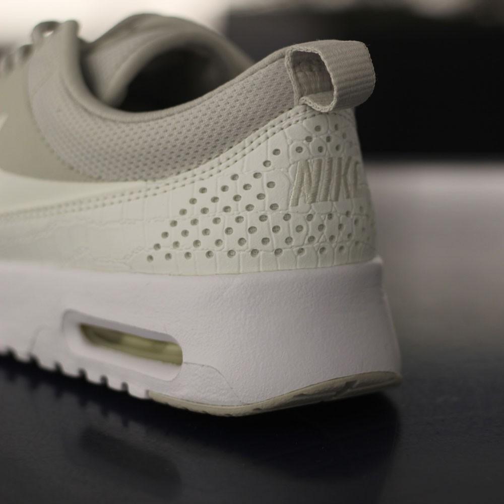 Nike Damen Sneaker Air Max Thea Light Bone Sail White